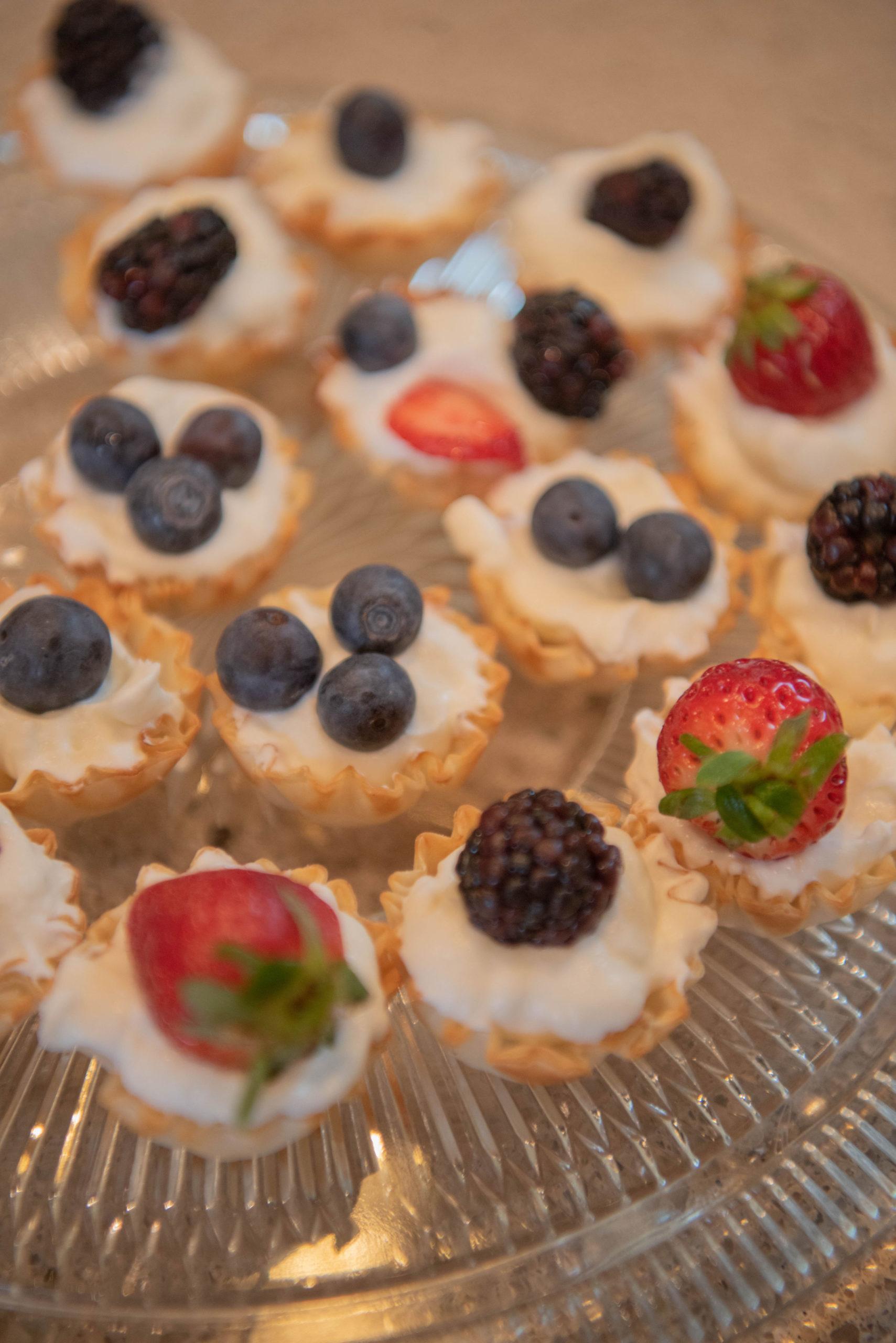 The Scoop with Lea   Mini Berry Pie 1